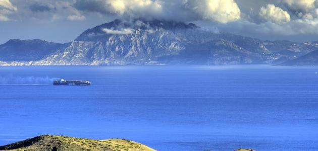 ما هي حدود الدولة جبل طارق