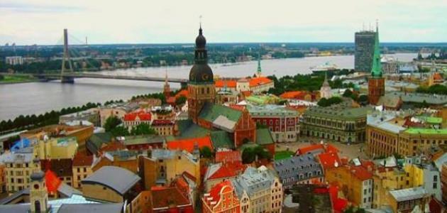 ما هى حدود دولة لاتفيا