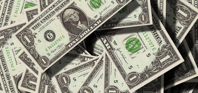 تفسير رؤية حلم النقود الورقية في المنام لابن سيرين والنابلسي
