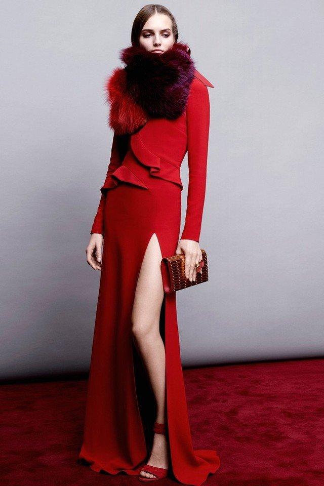 أجمل أزياء إيلي صعب لموسم ما قبل الخريف 2019