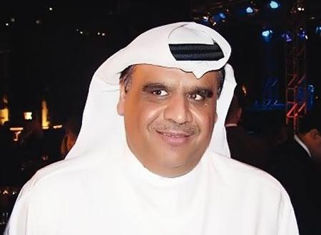 داوود حسين يصل للقاهرة تكريمه بمهرجان المسرح